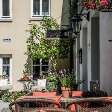 Terrasse und Innenhof